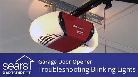 garage door won t close light blinks