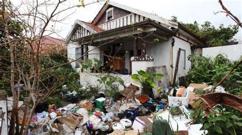 buying a hoarder house inside the bondi hoarders neat freak house