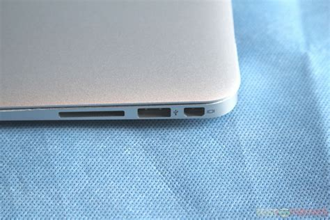 Mba 11 Review by Review Of Apple Macbook Air 13 Mc503ll A Technogog