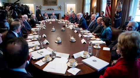 trump s first cabinet meeting donald trump s praise for michael flynn is coming back to