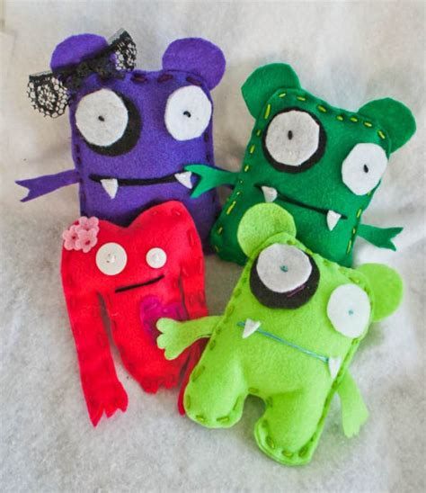 diy felt crafts diy felt monsters kidsomania