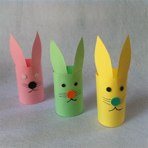 Easy Crafts To Make With Construction Paper - diy easter craft for diy paper bunnies createsie