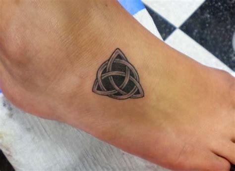 30 Cool Celtic Knot Tattoos Creativefan Celtic Circle Tattoos Designs