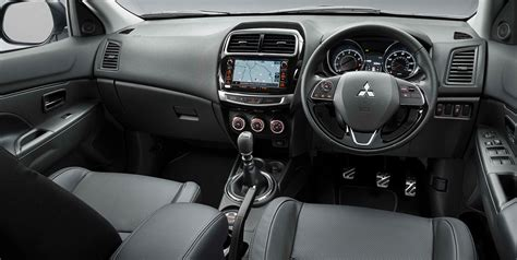 asx mitsubishi interior asx interior space features mitsubishi motors in the uk