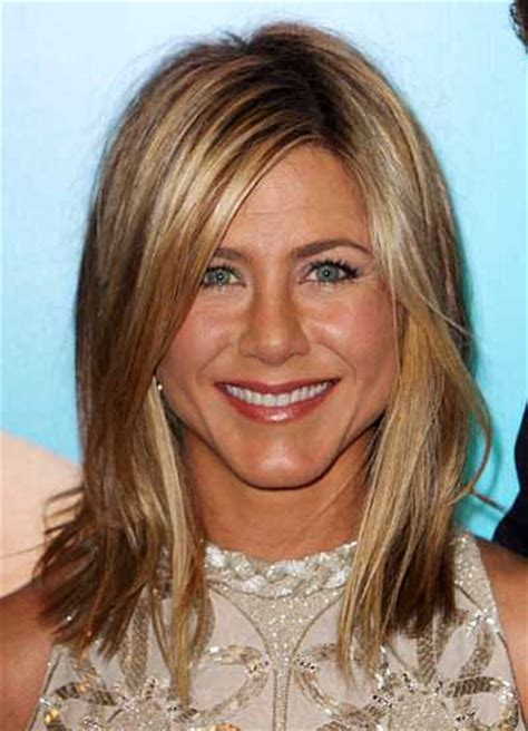 youthful hairstyles for women over 40 4 youthful hairstyles for women over 40