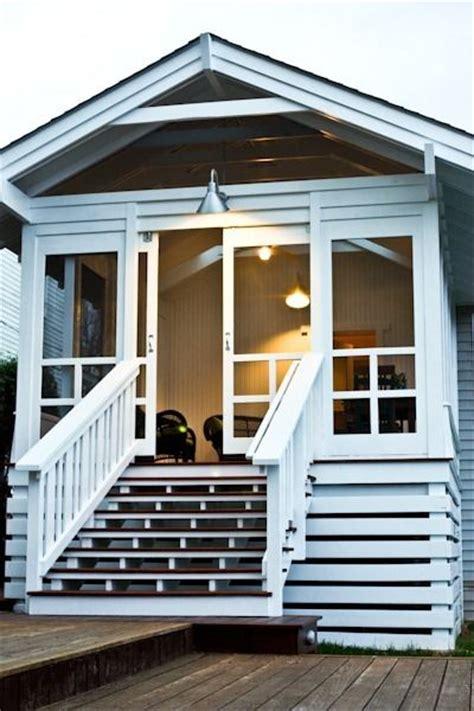 Screen Porch Doors by 25 Best Ideas About Sliding Screen Doors On