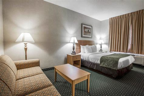 comfort suites peoria comfort suites peoria in peoria hotel rates reviews on