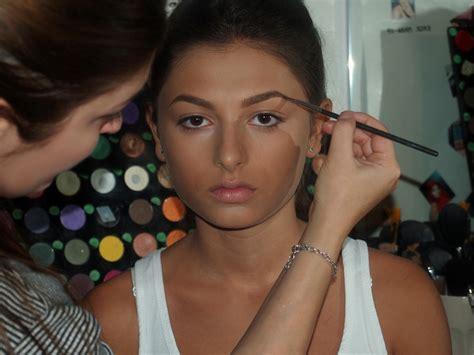tutorial make up ochi caprui tutorial machiaj ochi caprui alina boitor make up artist
