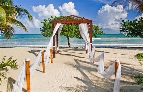 best wedding locations in the caribbean 2 wedding location in jamaica stock image image of couples gorgeous 32897515