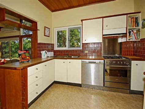 L Shaped Kitchen Ideas Remodeling A Very Small L Shaped Kitchen Design My