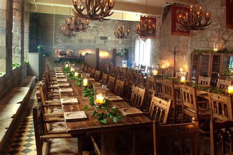 blackfriars banquet hall   table decorations