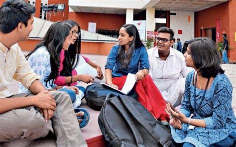 Mba Colleges In For Indian Students by Symbiosis Centre For Media And Communication Understands