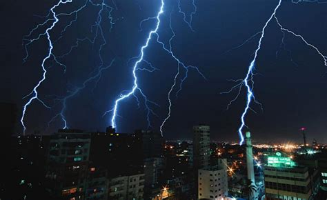 massive thunderstorms and heavy rain expected to hit cairo