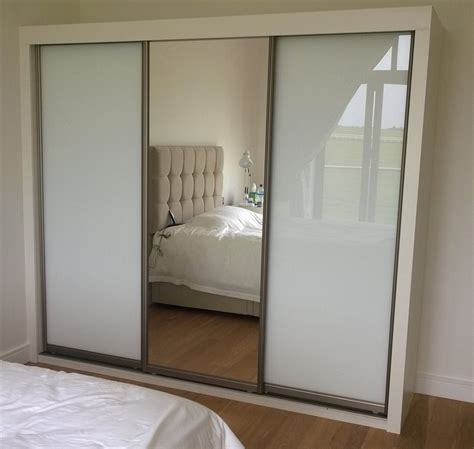 Small Mirrored Wardrobe by 28 Small Bedroom Mirrored Wardrobes Small 25 Best
