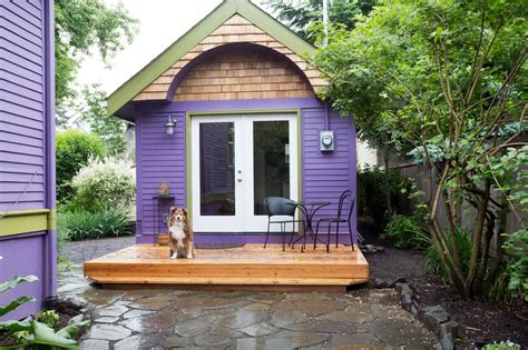 rent tiny house 10 tiny log houses you can rent