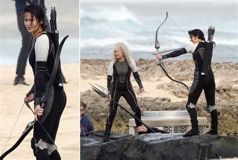 film up significato first look jennifer lawrence in her catching fire