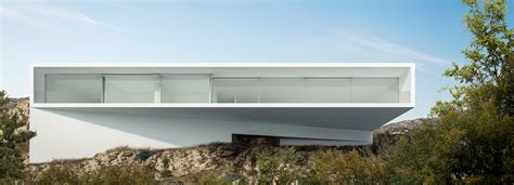 buy house hollywood hills fran silvestre embeds house into hollywood hills in los angeles