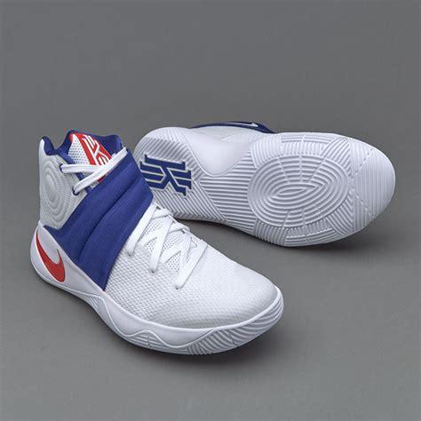 Sepatu Basket Merk Spotec sepatu basket nike kyrie 2 white