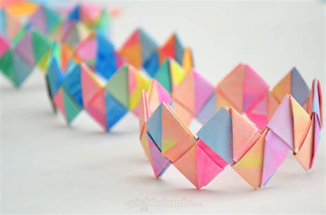 Cool Paper Folding Projects - 12 cool crafts and projects