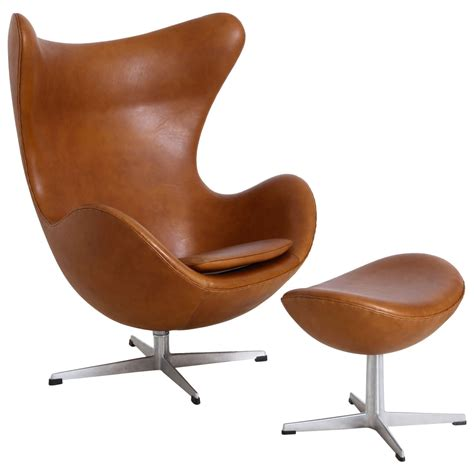 Egg Furniture by Arne Jacobsen Quot Egg Quot Chair With Ottoman At 1stdibs