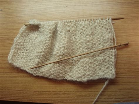 flat knitting stitches file flat knitting jpg wikimedia commons