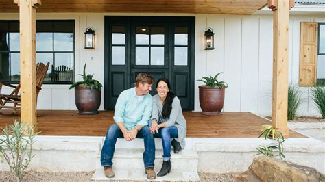 get on fixer upper fixer upper stars chip and joanna gaines get spinoff tv