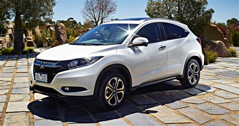 2015 honda hr v pricing and specifications photos 1 of 1