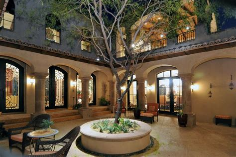style homes with courtyards colonial