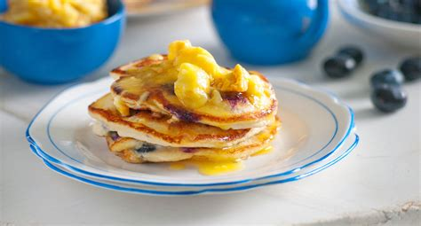 blueberry pancakes with orange and honeycomb butter diy
