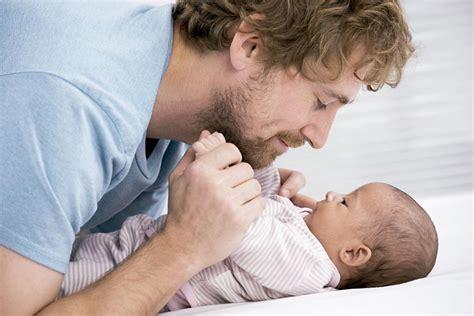 licencia de 4 meses por maternidad entra en vigencia a 191 descanso por paternidad de un mes a partir del 1 de enero