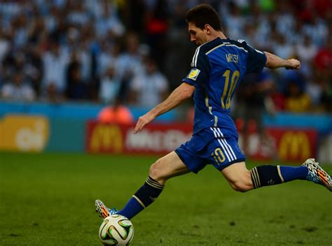 best free soccer top 10 best free kick takers in soccer dailyentertainment