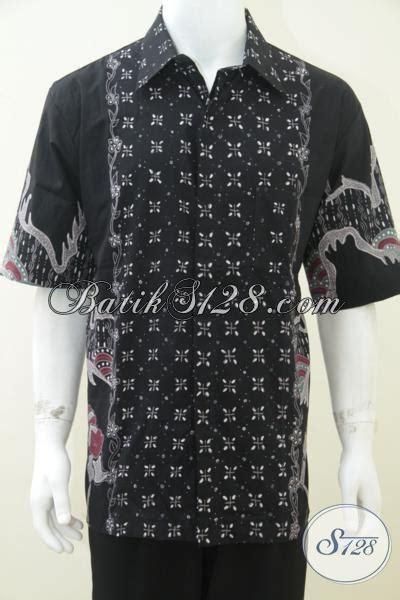 5 Motif Kemeja Pria Kombinasi Batik Cap Hitam Putih Elegan kemeja batik tulis warna hitam motif simple untuk pria