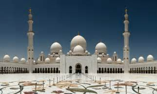 World Class Chandeliers 9 Must To Visit Places In Abu Dhabi Forty Travels