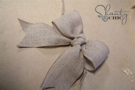 how to place burlap bow and burlap streamers on christmas tree 3 diy bow picture frame shanty 2 chic