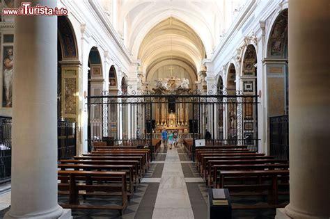 interno roma interno della chiesa di trinita dei monti a roma