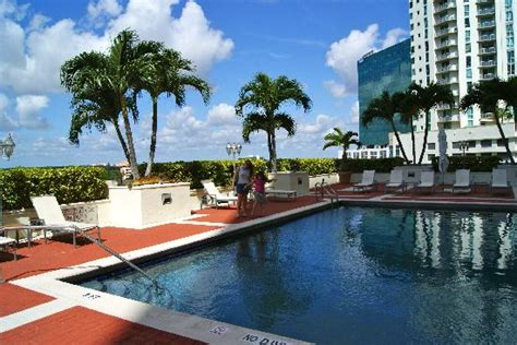Of Miami Mba Application Deadline by Uma Bela Piscina Picture Of Miami Marriott Dadeland