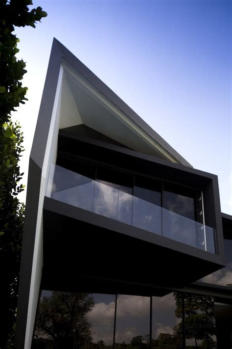 Home Design Diamonds | daring architecture and space planning diamond house in