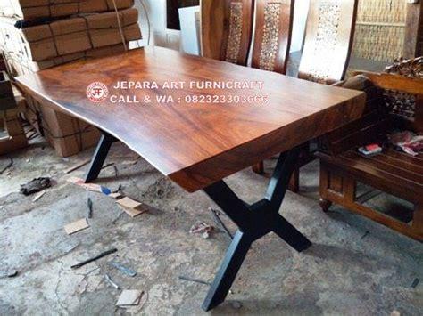 Kursi Meja Makan Besi terlaris meja makan solid trembesi kaki besi cross murah