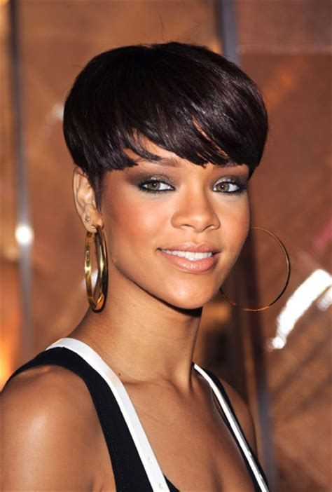 rihanna eye color rihanna s eye color photo what color are rihanna s