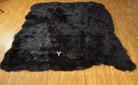schwarzer fell teppich premium fellteppich schwarz natur aus island lammfell 190