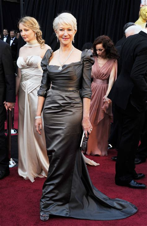 2011 oscars 83rd annual academy awards hairstyles and helen mirren s perfect cropped oscar hairstyle oscar