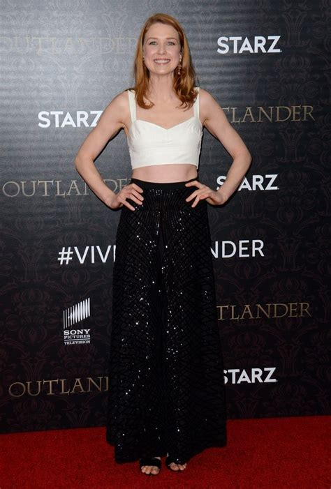 lucy walters picture 2 outlander season 2 premiere red lucy walters picture 3 outlander season 2 premiere red