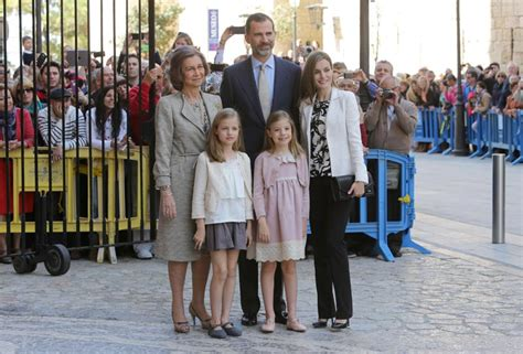 las hijas de espana 8466624856 todo listo para la primera comuni 243 n de la princesa leonor
