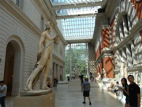 Metropolitan Museum Of Interior by Lobby Picture Of The Metropolitan Museum Of New