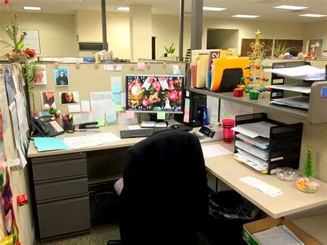 multiple workstation office cubicle ideas google search 40 new christmas cubicle decorations christmas office
