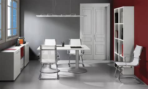 Table Blanche Ronde 828 by Bureaux Blanc Et Noir Montpellier 34 N 238 Mes 30 Agde