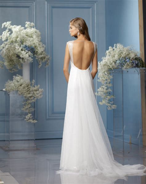 Best 25  Backless wedding ideas on Pinterest   Backless