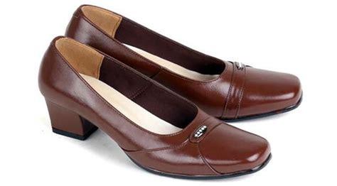 model sepatu kerja wanita sepatu pantofel kulit wanita sepatu high heels cewek mumer kulit