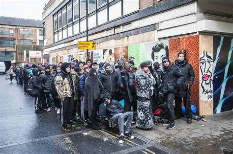 supreme store uk photos of the hundreds of who lined up overnight to