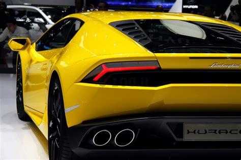 Lamborghini Aventador 0 100 Speciale Salone Di Ginevra 2014 Lo Stand Lamborghini 0